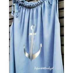 Niebieska sukienka, srebrna kotwica :-)